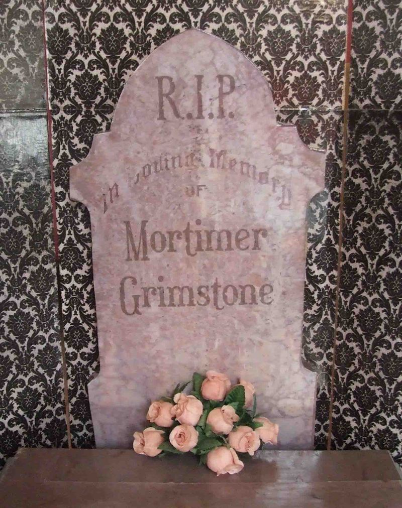 Mortimer_headstone